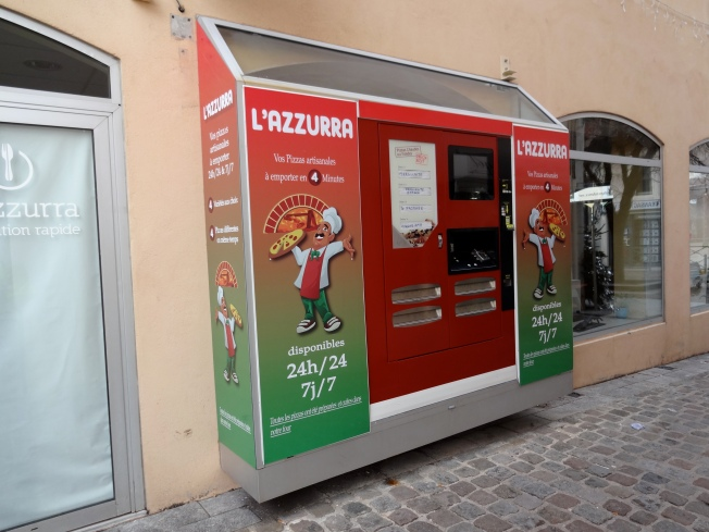 Vending machine for fresh pizzaPhoto: PK Read