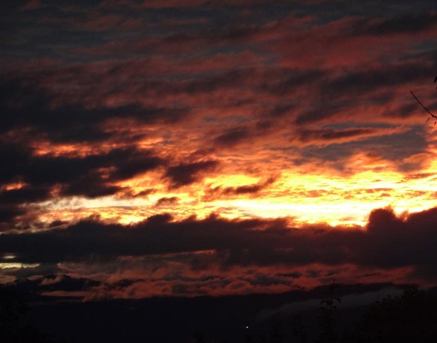 Sunrise over the Alps & Lake Geneva Photo: PK Read