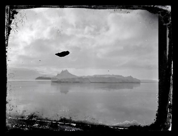 Big Razorback Island, McMurdo Sound. The photo was most likely taken from the deck of the Aurora in January 1915. Photo/Caption: Antarctic Heritage Trust